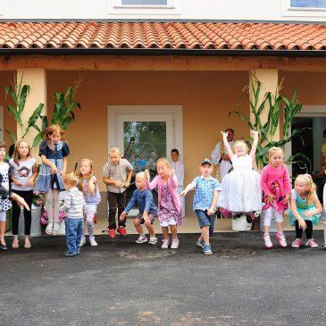Rodiško opasilo 2014 in otvoritev vaškega doma
